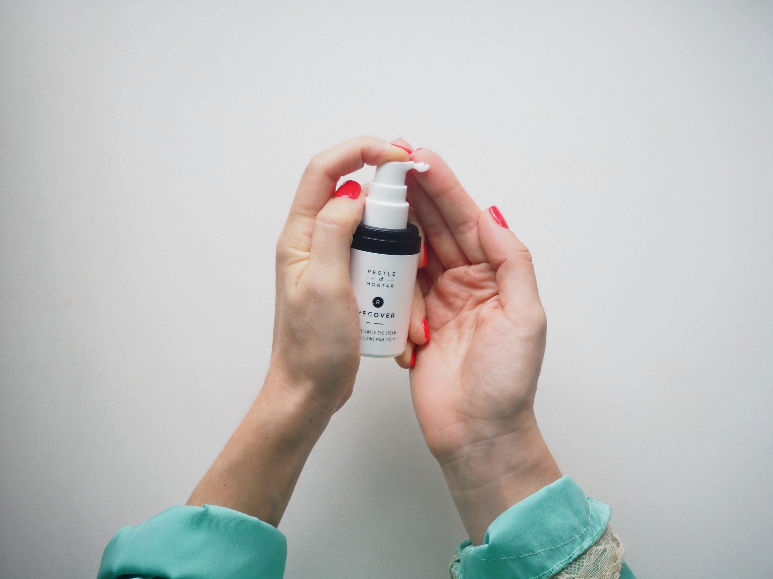 Review: Creme de olhos hidratante Pestle & Mortar Recover Eye Cream